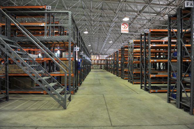 قفسه بندی صنعتی